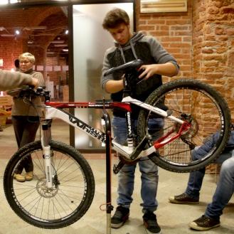 lab riparazione bici